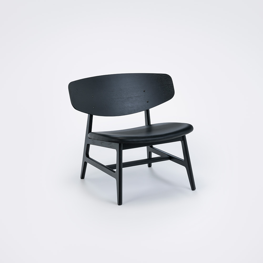 LOUNGE CHAIR // Black Stained Veneer Back // Black Leather // Solid black painted Frame